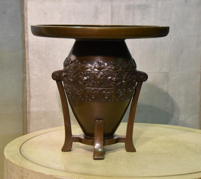 japanese-art-deco-bronze-vase-002_1067x712