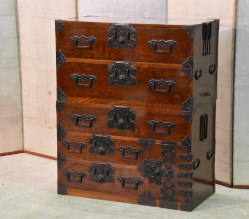 matsumoto-antique-chest-013_1067x712