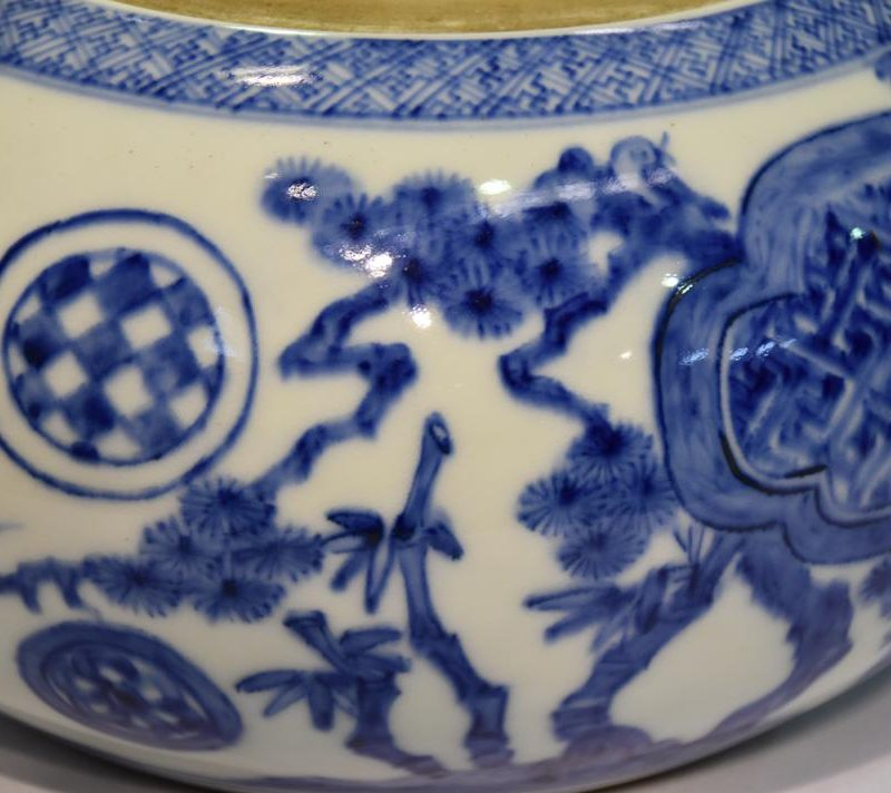 japanese-blue-and-white-pottery-for-sale-008_1067x712