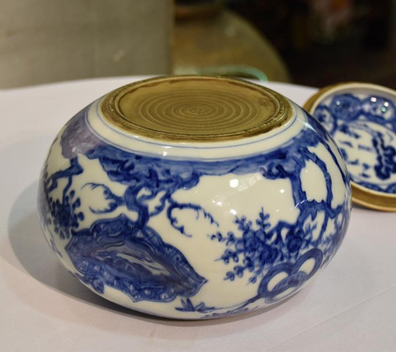 japanese-blue-and-white-pottery-for-sale-009_1067x712