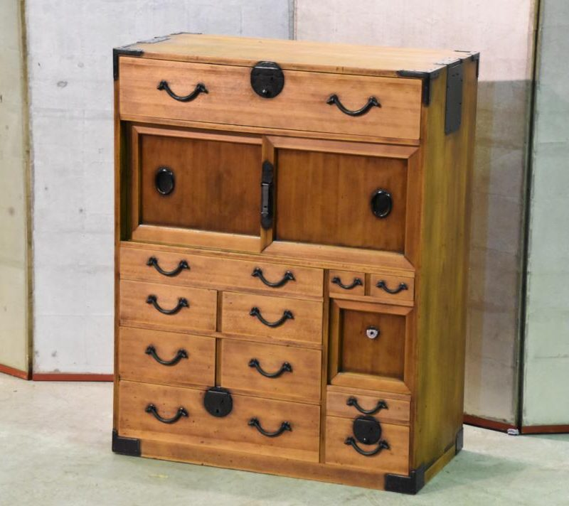Japanese small merchants chest 023_1067x712