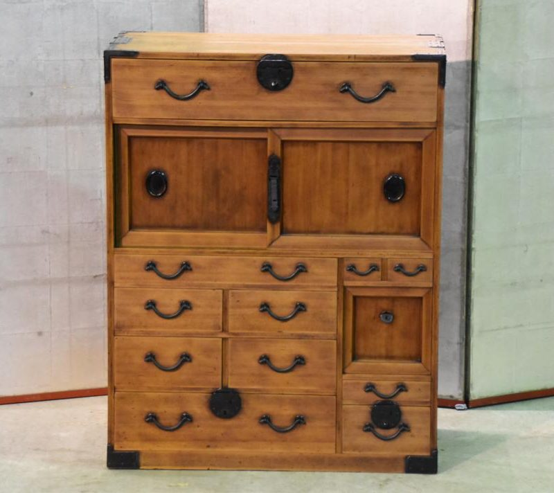 Japanese small merchants chest 024_1067x712
