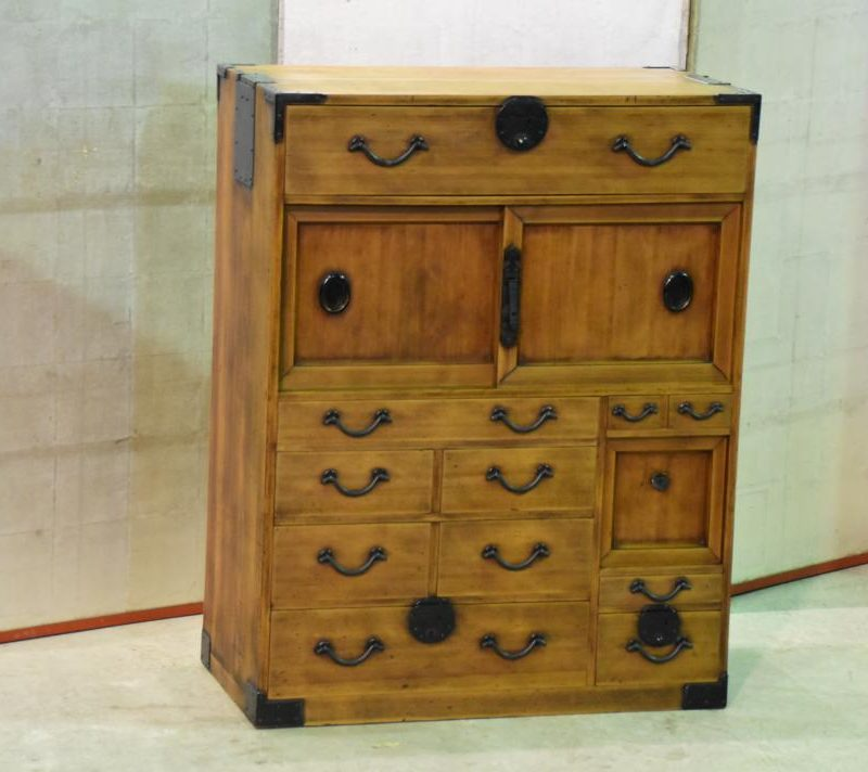 Japanese small merchants chest 027_1067x712