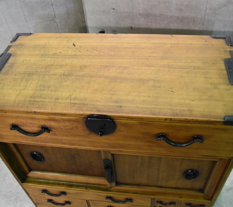 Japanese small merchants chest 032_1067x712