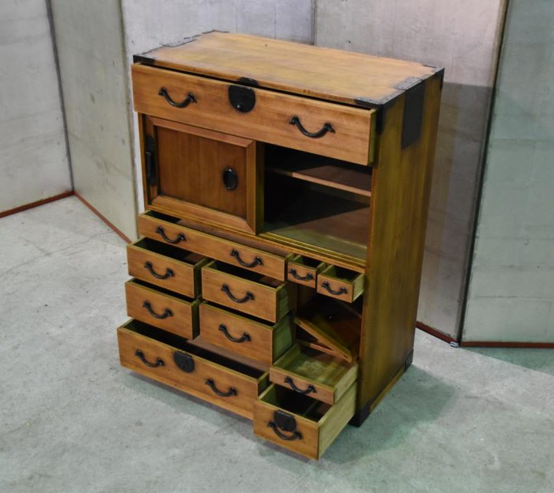 Japanese small merchants chest 033_1067x712