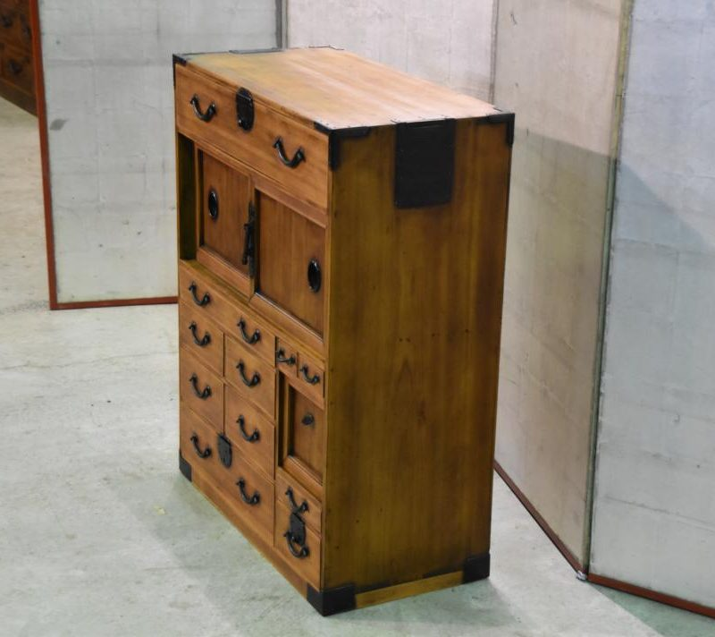 Japanese small merchants chest 034_1067x712