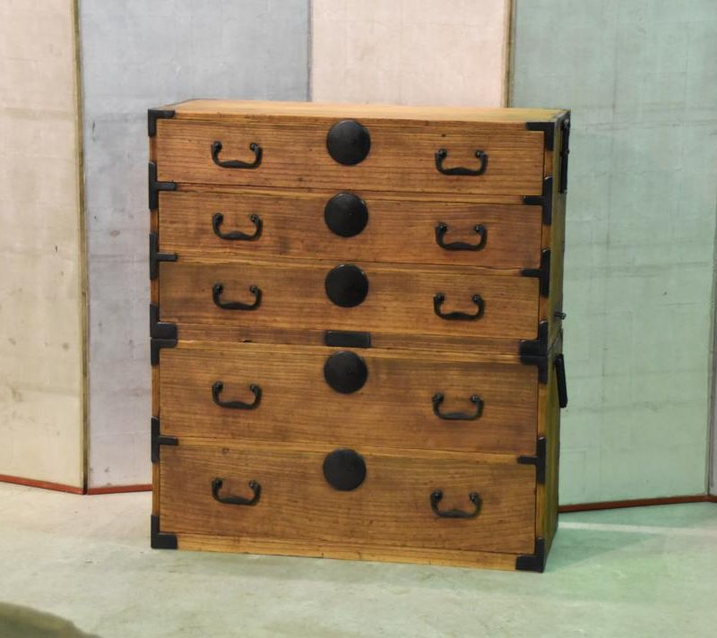 antique japanese clothing chest 001_1067x712