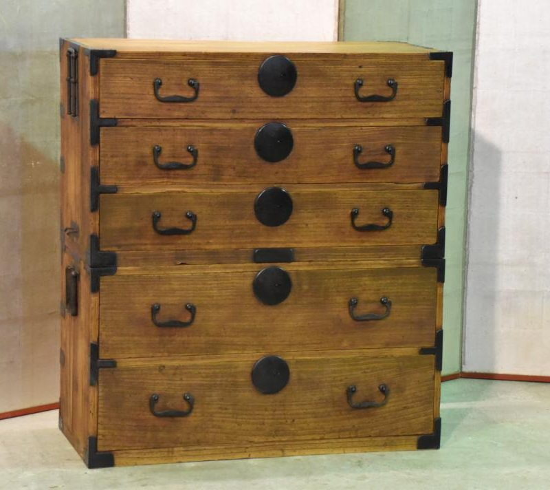 antique japanese clothing chest 002_1067x712
