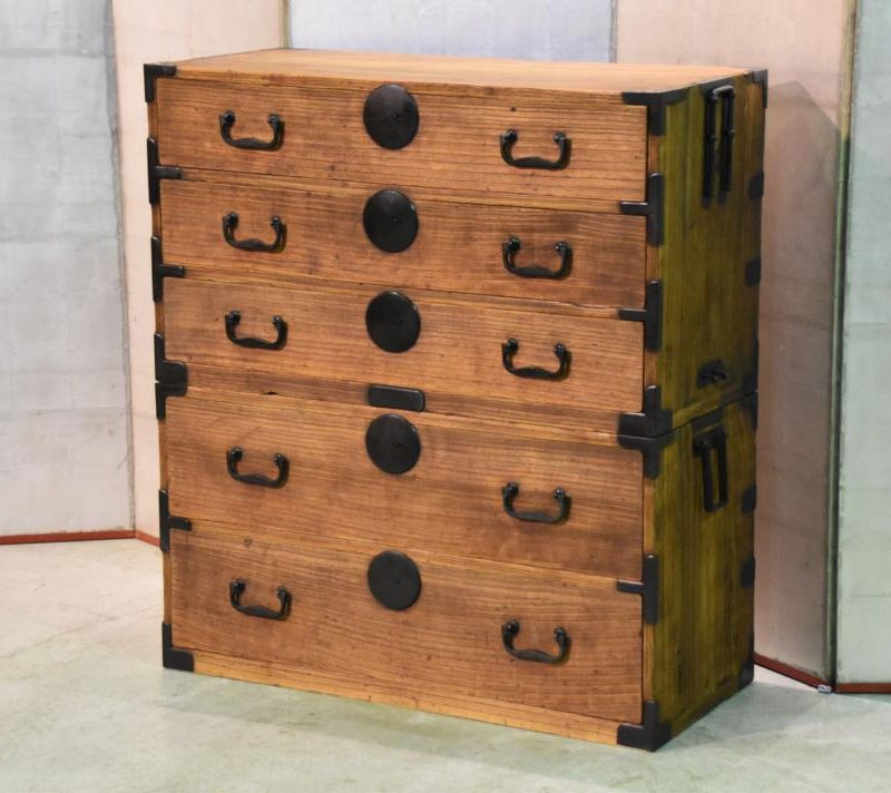 antique japanese clothing chest 014_1067x712