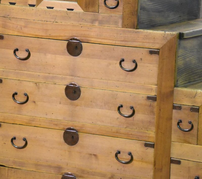 japanese antique step chest 017_1067x711
