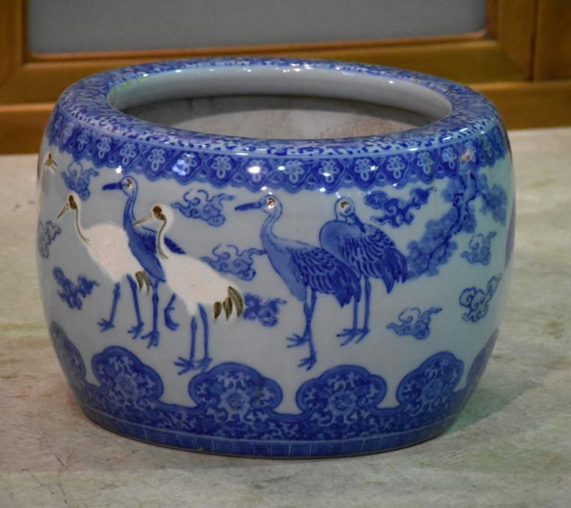japanese blue and white brazier 020_1067x711