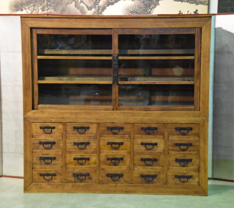 antique Japanese merchants display chest 002_1067x711