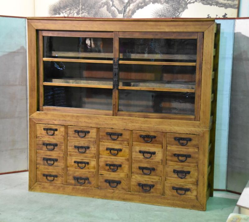antique Japanese merchants display chest 005_1067x711