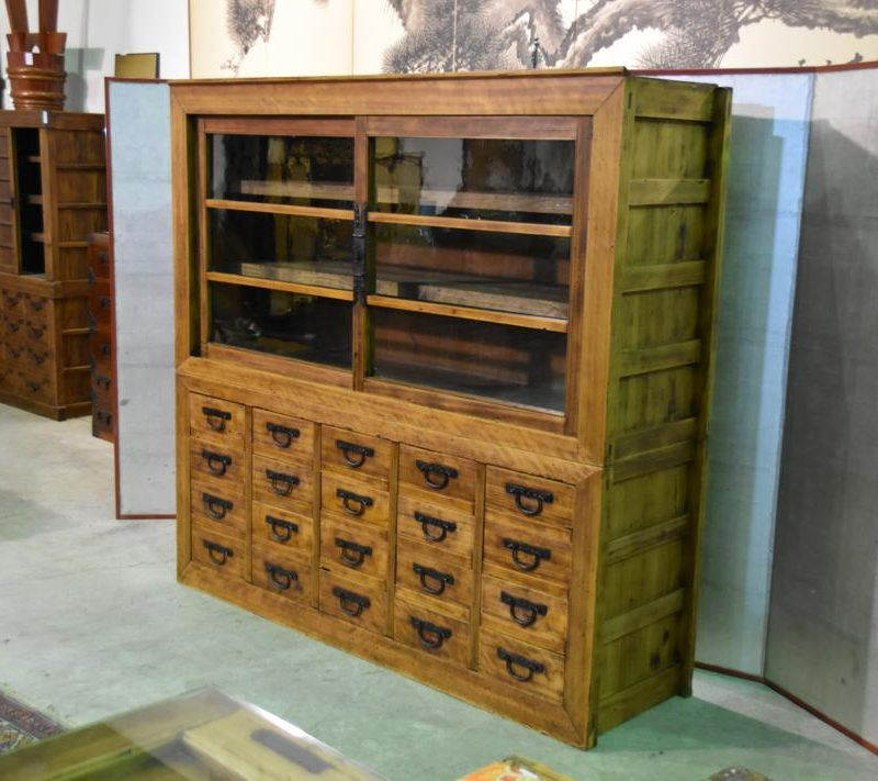 antique Japanese merchants display chest 006_1067x711