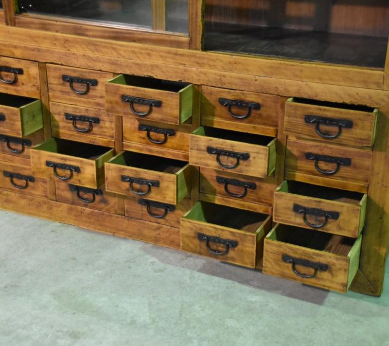 antique Japanese merchants display chest 008_1067x711