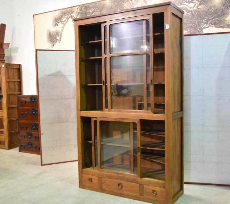 chest&sideboard189 004_1067x711
