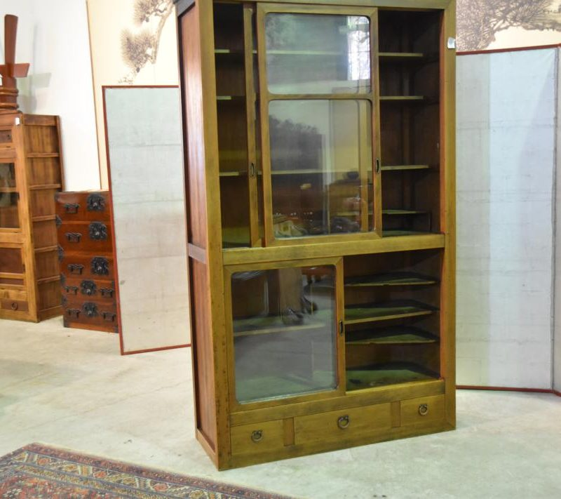 chest&sideboard189 014_1067x711