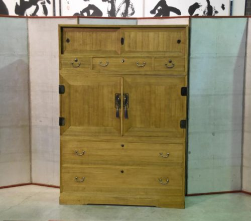 Japanese wedding chest 001_1067x711