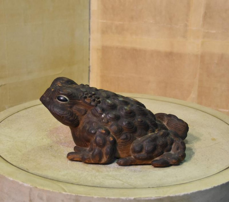 japanese wooden frog toad 001_1064x709