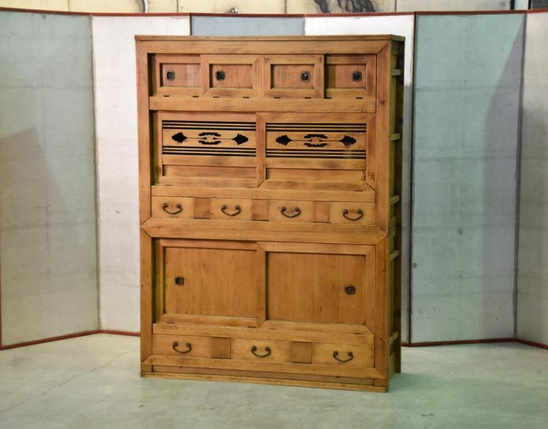 antique kitchen chest 001_939x627