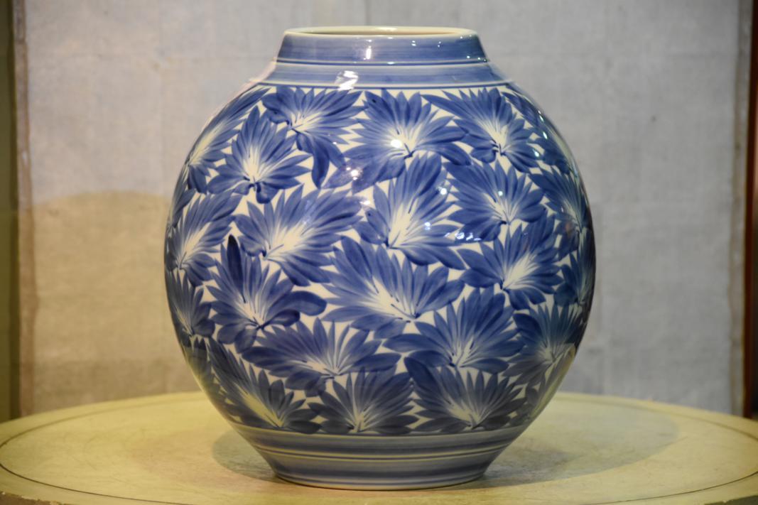 japanese blue and white vase buy online edo arts. Black Bedroom Furniture Sets. Home Design Ideas